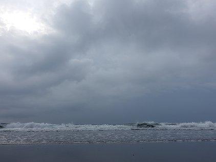 beach3_1.jpg