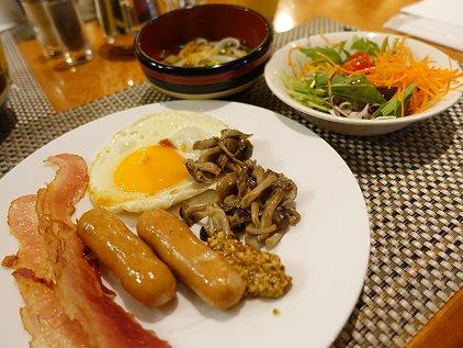 breakfast_2_1.JPG