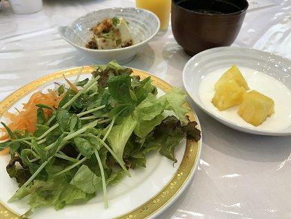 breakfast_2d2.JPG